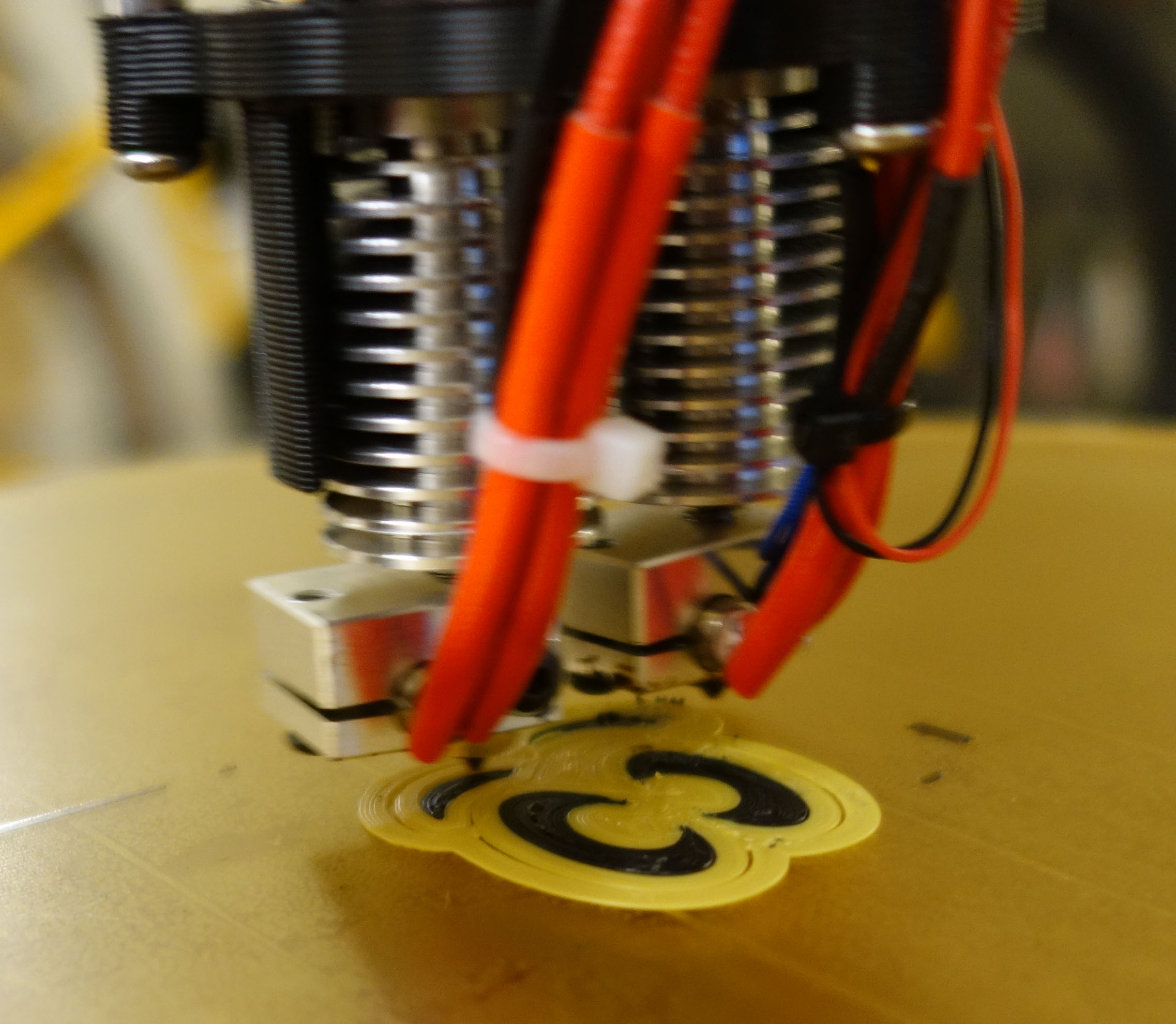 A Dual Extruder Design for the Rostock Max V2 – Note to Self